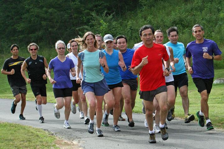Corre un 5K, un 10K o un medio maratón más rápido gracias al ChiRunning