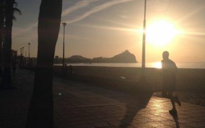 Correr y caminar al aire libre: la luz del sol y la salud